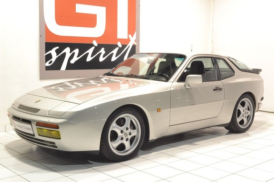 PORSCHE - 944 Turbo