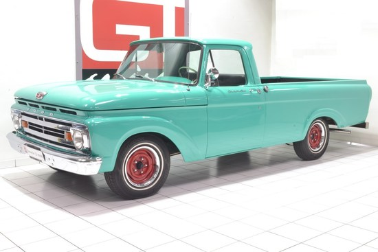FORD - F100 Custom Cab