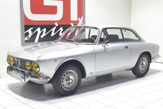 ALFA ROMEO - 2000 GTV Coupé Bertone