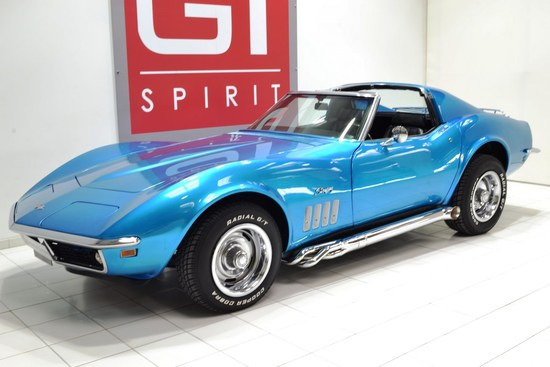 CHEVROLET - Corvette C3 Stingray