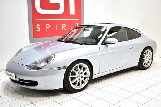 PORSCHE - 996 Carrera