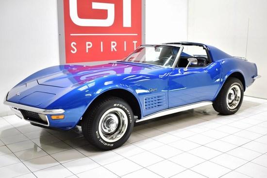 CHEVROLET - Corvette  C3 Stingray